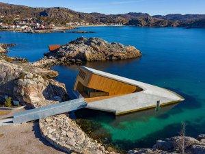 Avrupa'nın ilk denizaltı restoranı Norveç'te açıldı