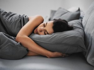 Uykusunu tam alanlarda kilo verme kolaylaşıyor!
