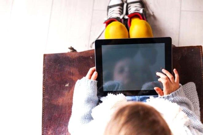 3 yaşındaki çocuk babasının İpad'ini 48 yıllığına kilitledi galerisi resim 1