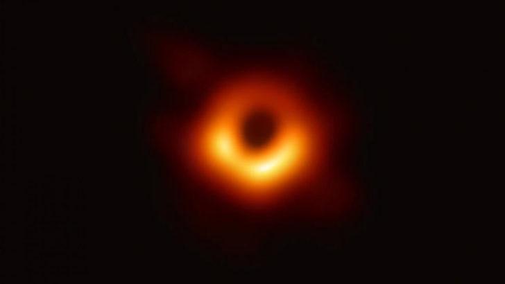 Kara deliğe düşersek ne olur? galerisi resim 6