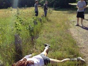 Yeni akım: Selfie yerine ölü taklidi fotoğrafları