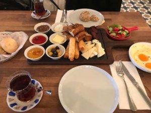 Canan Karatay'dan Ramazan'da Beslenme Önerileri