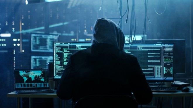 Cinsel içerikli sitelere giriyorsanız dikkat! Ön kameranız hacker'l galerisi resim 1