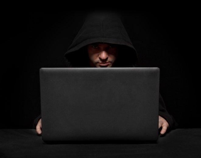 Cinsel içerikli sitelere giriyorsanız dikkat! Ön kameranız hacker'l galerisi resim 4
