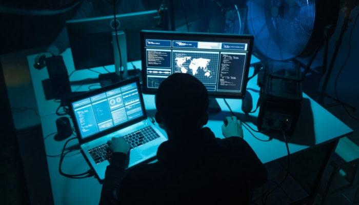 Cinsel içerikli sitelere giriyorsanız dikkat! Ön kameranız hacker'l galerisi resim 7