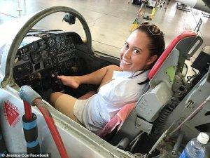 Doğuştan elleri olmayan kadın ayakları ile uçak kullanan ilk pilot oldu!