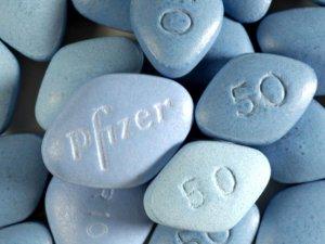 Doğum oranı artsın diye tüm çiftlere ücretsiz Viagra dağıtılacak!