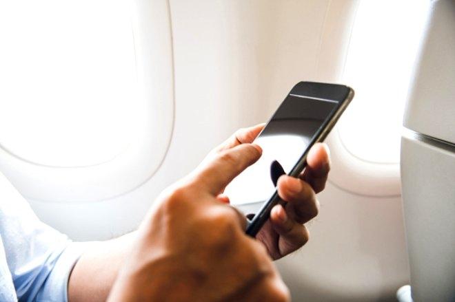 Uçaktayken telefonunuzu uçuş moduna almazsanız ne olur? galerisi resim 2
