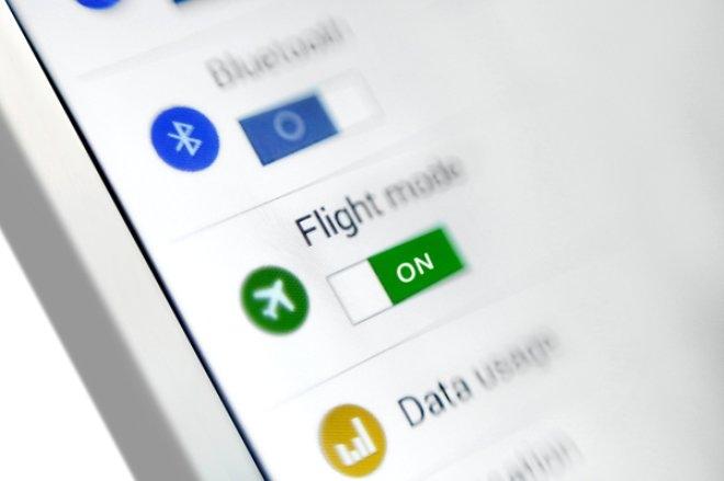 Uçaktayken telefonunuzu uçuş moduna almazsanız ne olur? galerisi resim 3