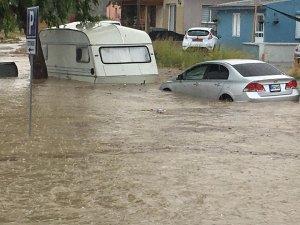 Dikkat bu yollar su taşkınları nedeniyle trafiğe kapalı!