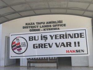 Girne Tapu Dairesi'nde uyarı grevi gerçekleştiriliyor