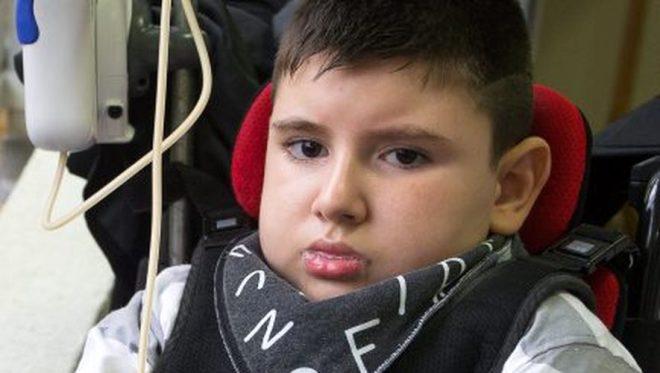 Bozuk burger etini yiyen 10 yaşındaki çocuk hayatını kaybetti galerisi resim 1