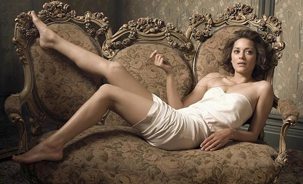 Brad Pitt, Angeline Jolie'yi aldatıyor mu? galerisi resim 2