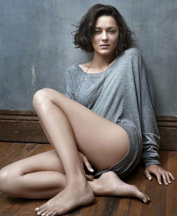 Brad Pitt, Angeline Jolie'yi aldatıyor mu? galerisi resim 4