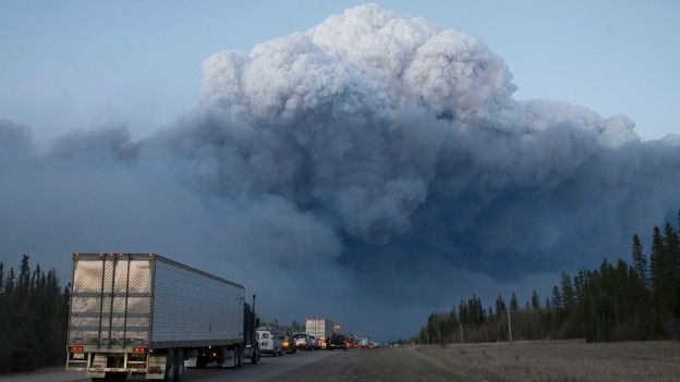 Kanada'da yangın: Bir kentin yüzde 20'si yandı galerisi resim 2