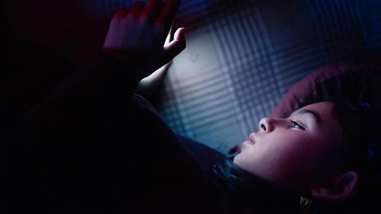 Mavi ışık neden geceleri daha tehlikeli? galerisi resim 6