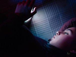 Mavi ışık neden geceleri daha tehlikeli?