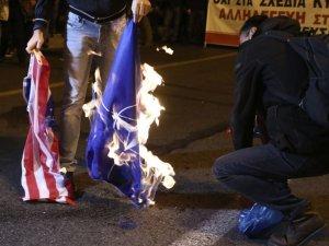 Protesto gösterilerinin yaşandığı Atina'dan kareler