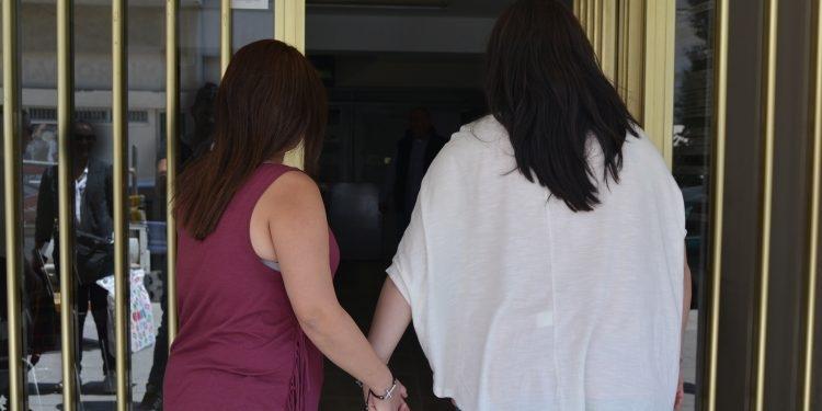 Kıbrıs'ın ilk kadın eşcinsel evliliği bugün Lefkoşa'da gerçekleşti... galerisi resim 1