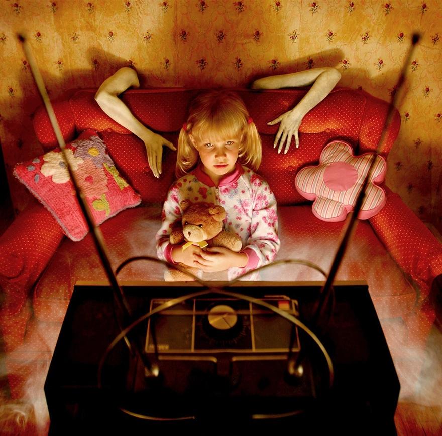 Çılgın fotoğrafçıdan kızları ile korku filmlerini aratmayacak çekimler galerisi resim 6
