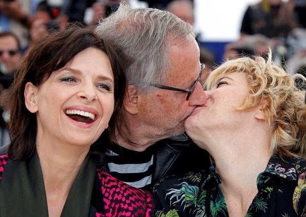 """- Tanıtım için yeni bir fikir lazım.- Tamam """"öpüşün"""". galerisi resim 6"""