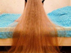 5 yaşından beri saçlarını uzatıyor!