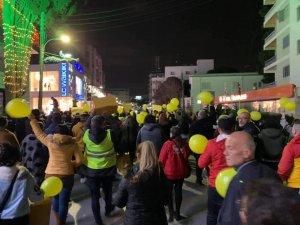 """""""Yol Yoksa Seyrüsefer yok"""" eylemi Lefkoşa'yı salladı"""