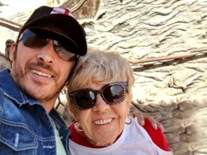 80'lik kadının 45 yaş küçük sevgilisi: Aşktan gözüm kör oldu