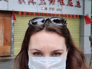 2 Rus kadın, koronavirüs karantinasından kaçtı!