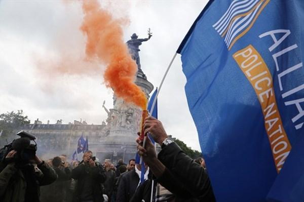 'Mezarda emekliliğe' ses çıkartmayanlara emsal:Fransa! galerisi resim 5
