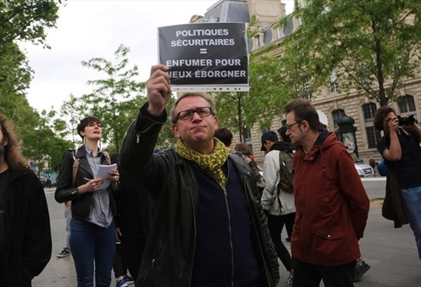 'Mezarda emekliliğe' ses çıkartmayanlara emsal:Fransa! galerisi resim 9