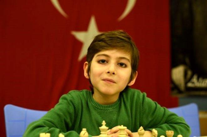 Türkiye'nin konuştuğu Atakan Kayalar kristal çocuk mu? Kristal çocu galerisi resim 4