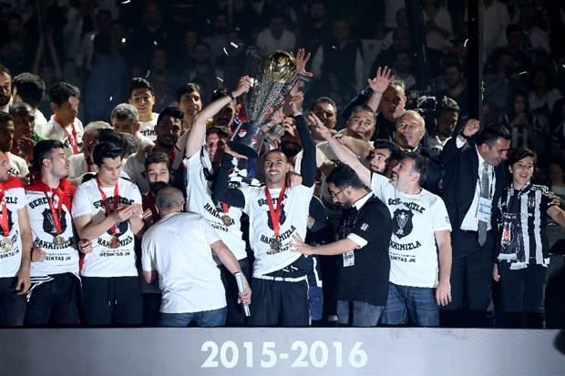Şampiyon Beşiktaş kupasına kavuştu galerisi resim 13