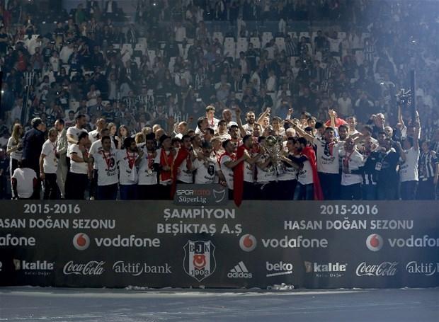 Şampiyon Beşiktaş kupasına kavuştu galerisi resim 16