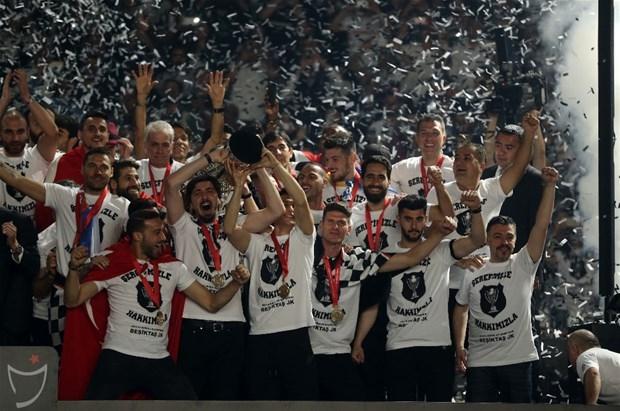 Şampiyon Beşiktaş kupasına kavuştu galerisi resim 17