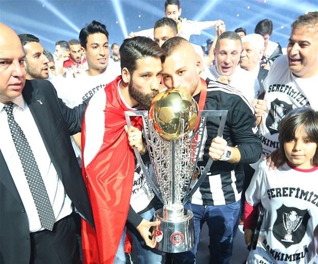 Şampiyon Beşiktaş kupasına kavuştu galerisi resim 18