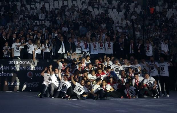 Şampiyon Beşiktaş kupasına kavuştu galerisi resim 21