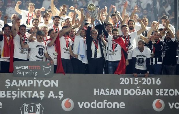 Şampiyon Beşiktaş kupasına kavuştu galerisi resim 22