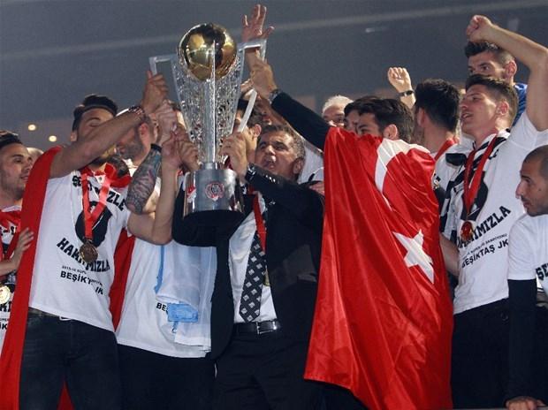 Şampiyon Beşiktaş kupasına kavuştu galerisi resim 5