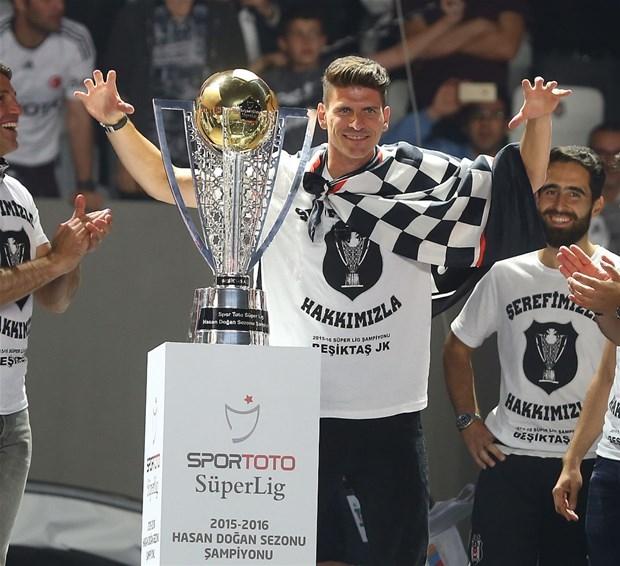 Şampiyon Beşiktaş kupasına kavuştu galerisi resim 7