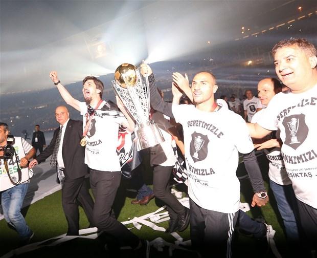 Şampiyon Beşiktaş kupasına kavuştu galerisi resim 8