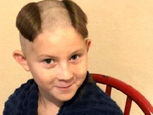 Karantinadaki binlerce kişi kötü saç kesimlerini paylaşıyor