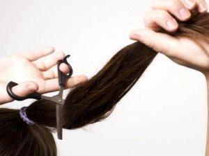 Evde kendi saçınızı kesebileceğiniz harika ipuçları