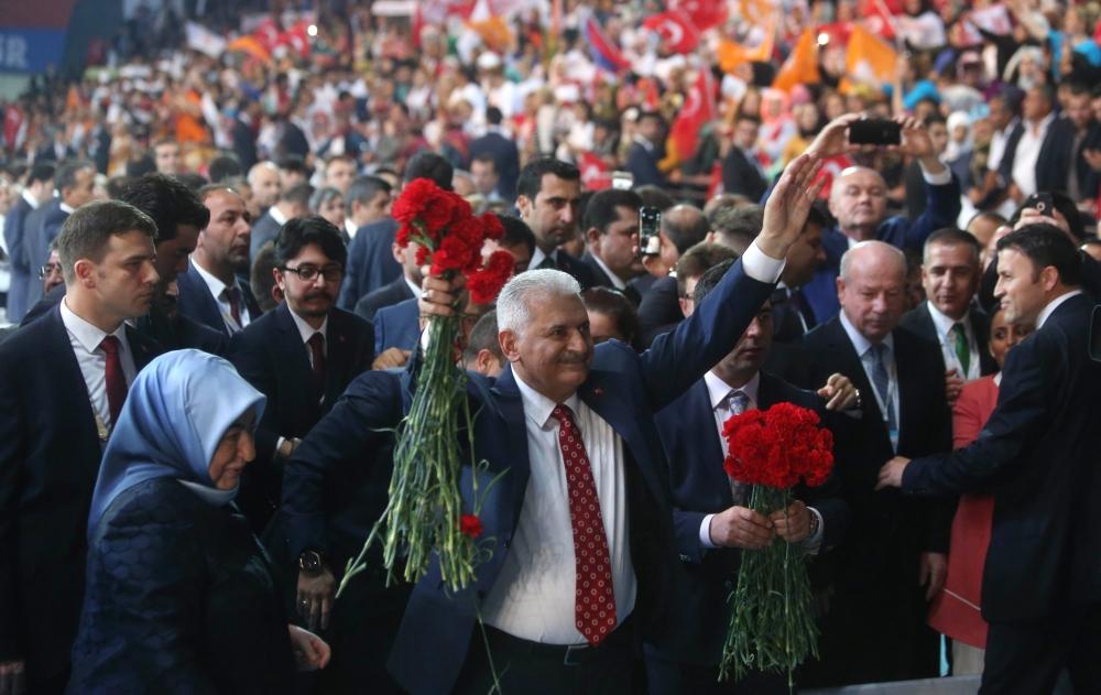Binali Yıldırım AK Parti'nin 3. Genel Başkanı galerisi resim 1