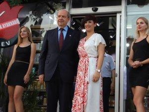 Başbakan Ersin Tatar Gazimağusa'da mağaza açılışına katıldı