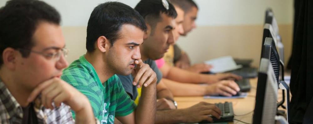 DAÜ'nün yeni bilişim sistemleri ve teknolojileri programı öğrencilerini  galerisi resim 1