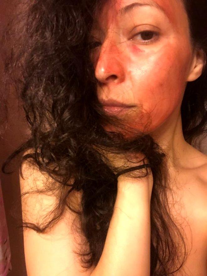 36 yaşındaki kadın, güzelleşmek için regl kanını yüzüne sürüyor galerisi resim 1