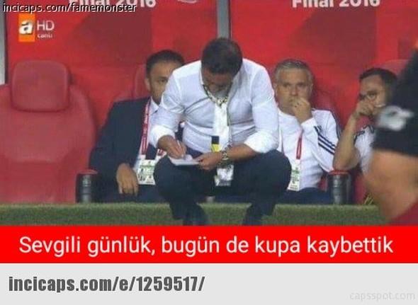 Galatasaray - Fenerbahçe maçı sonrası capsler patladı galerisi resim 10