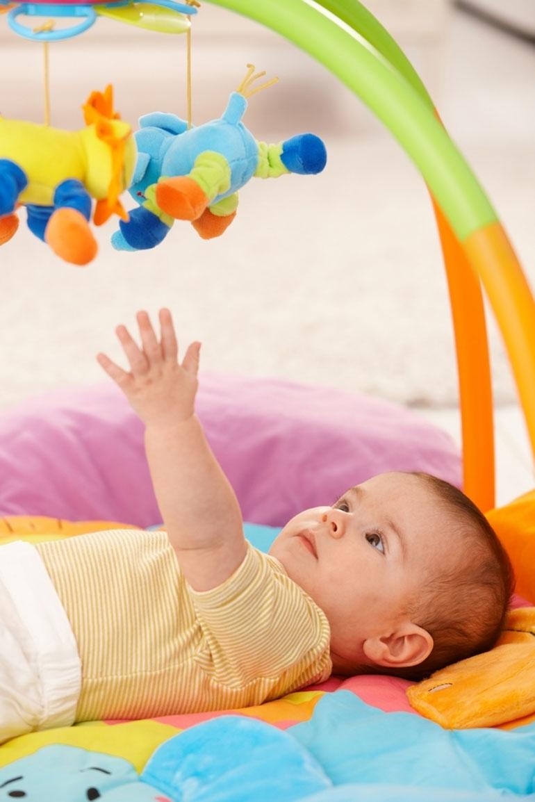 Bebeklerde oyuncak seçimi nasıl olmalı? galerisi resim 2