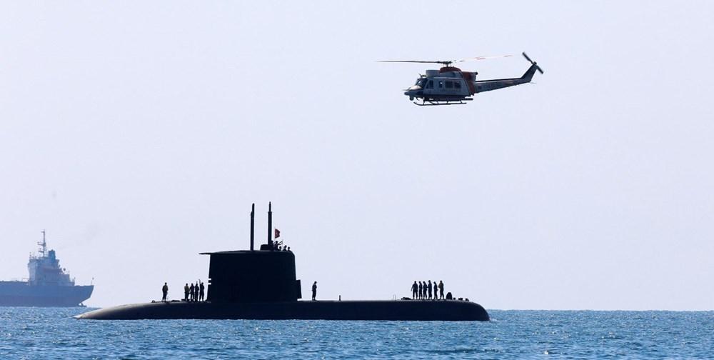 Konyaaltı Sahili'nde görülen Türk denizaltısı turistleri şaşırttı galerisi resim 1